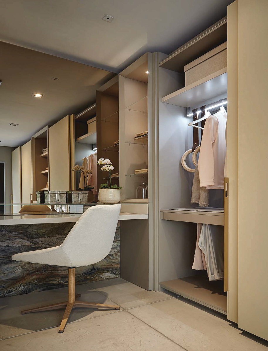 custom closet cabinets shelves with lighting
